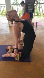 Lernen, wie man Yoga-Blöcke einsetzen kann.